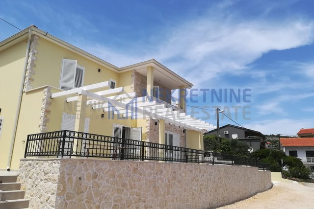 ROGOZNICA, NEW HOUSE ONLY 5 M FROM THE SEA