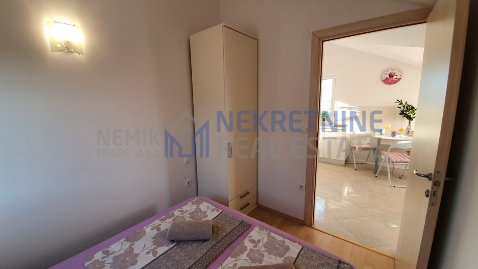 Vodice, smaller two bedroom apartment with sea view