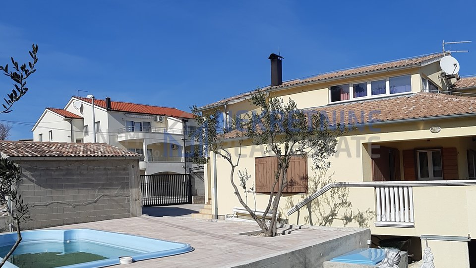 VODICE, HOUSE WITH POOL
